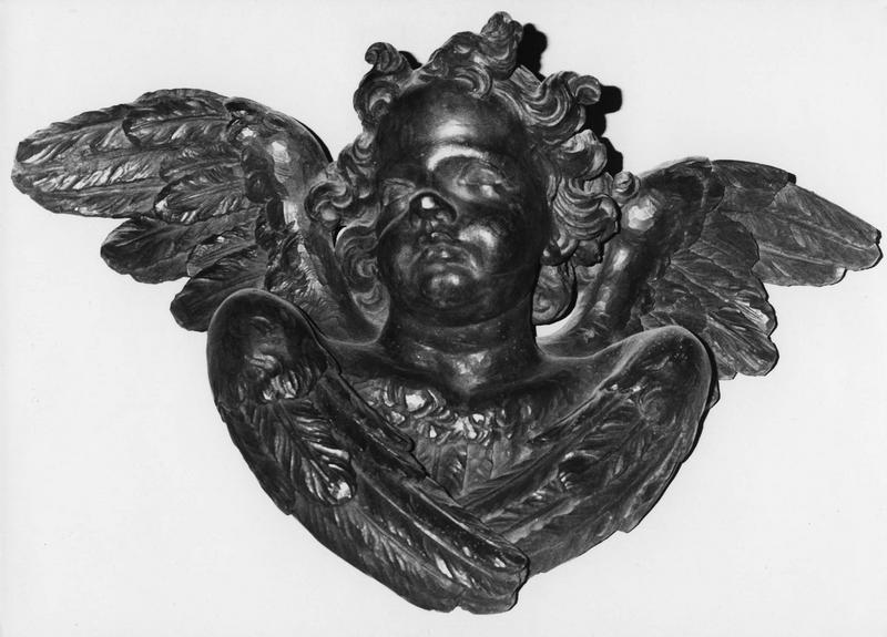 Statue : tête d'ange ailée