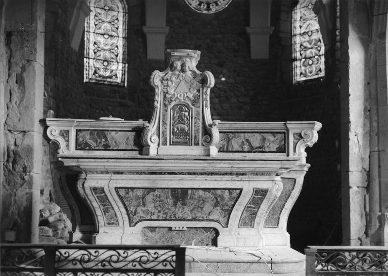 autel, gradins, tabernacle, vue d'ensemble