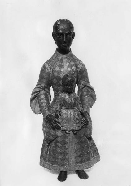 statue : Vierge noire en majesté, vue de face