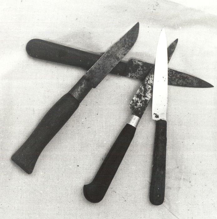 Trois couteaux