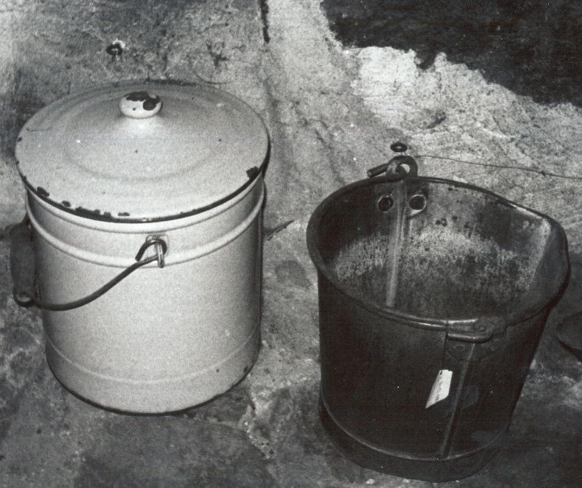 pot de chambre (seau hygiénique), seau à lait