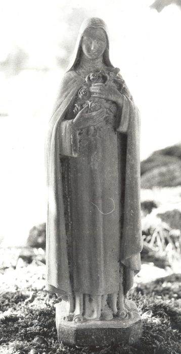 statue (statuette) : Sainte Thérèse de Lisieux