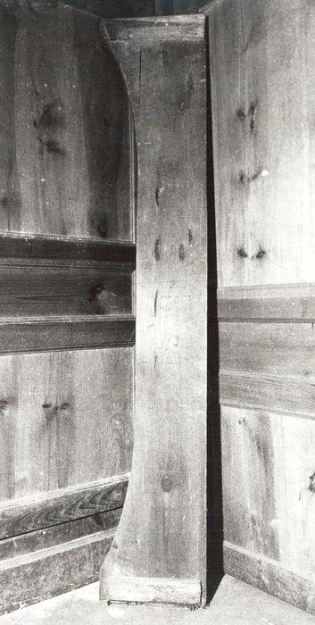 lit démonté (fragment: traverse postérieure)