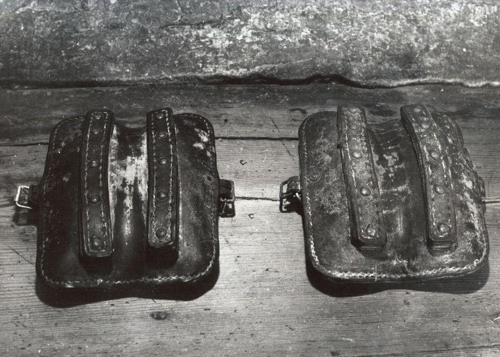 paire de coussins frontaux