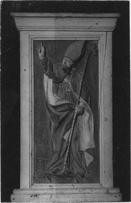 bas-relief n°1 : Saint évêque non identifié