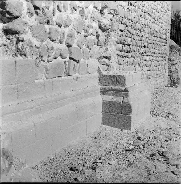 Base du mur
