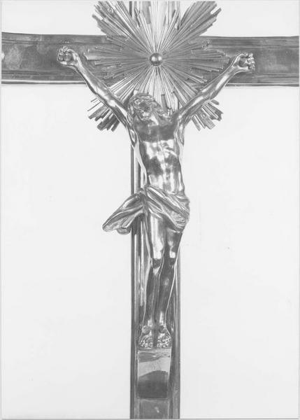 Croix de procession (vue rapprochée)