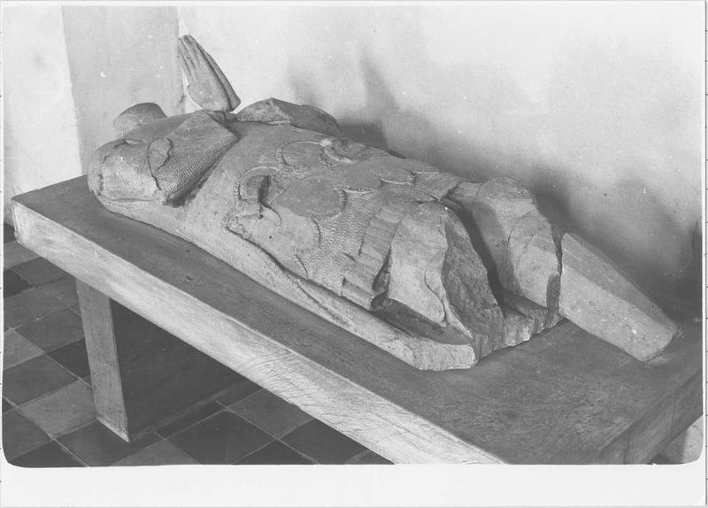 Statue (gisant), de Bonabes de Rougé