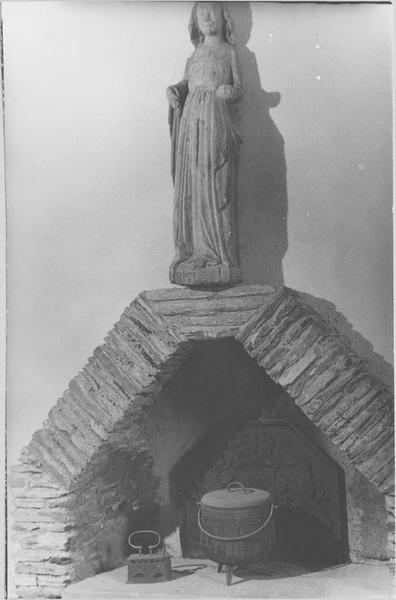 Statue : sainte Marguerite (in situ)