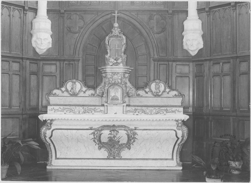Autel, gradin, tabernacle, exposition (maître-autel)