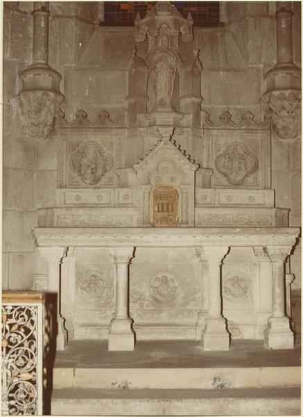 Autel, tabernacle, retable, statue : sainte Monique