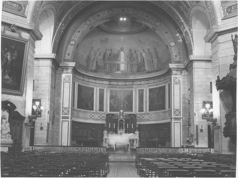 Vue générale du choeur et maître-autel