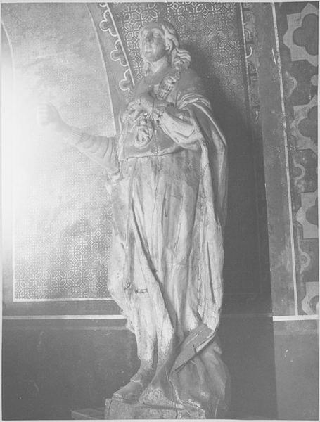 Statue : saint Louis sous les traits de Louis XVI