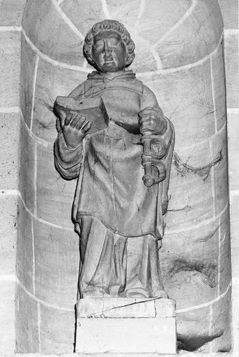 Statue : saint Léonard, bois peint, 18e siècle