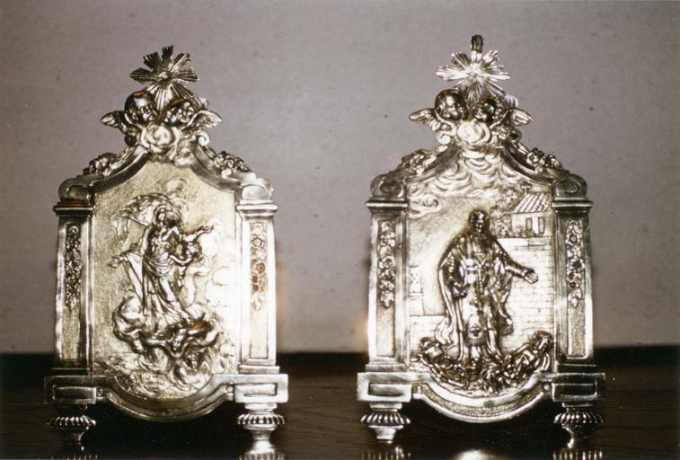 deux baisers de paix  : L' Assomption et saint Léonard, argent et vermeil, poinçon de L.LOQUE, 1821-1831,en dépôt au trésor de la Cathédrale d'Orléans