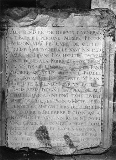 Plaque funéraire avec épitaphe de Pierre Poisson, curé de Boynes, 1625