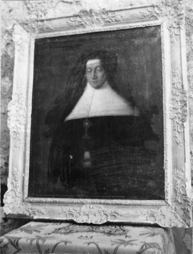 tableau : Portrait de Marie Taffourrau de fontaine, huile sur toile et cadre en bois doré, 18e siècle
