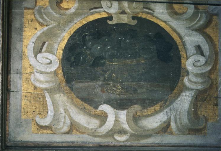 Lambris de revêtement, bois peint, détail d'un médaillon avec coupe de fruits