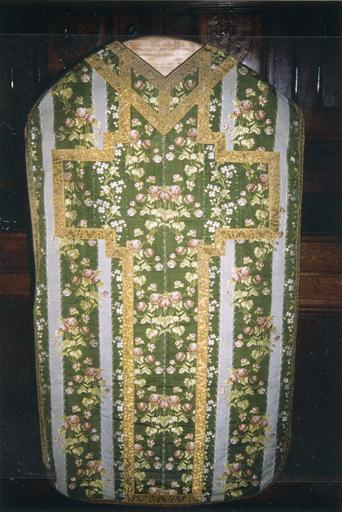 Ornement vert, taffetas de soie broché, fin 18e siècle, la chasuble