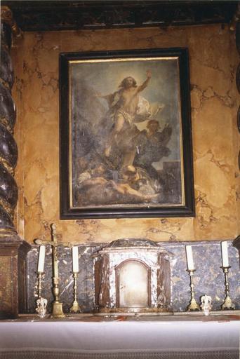 maître-autel, détail du tabernacle en marbre rouge, et tableau de retable avec La Resurrection du Christ