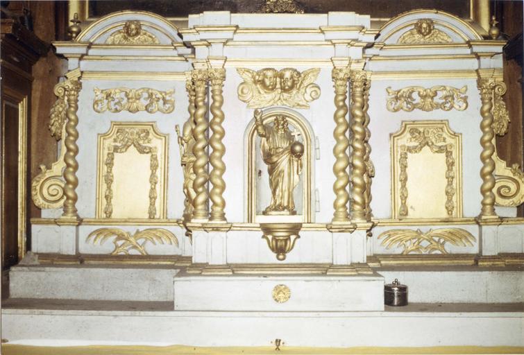 Tabernacle, bois sculpté peint et doré, 18e siècle, vue frontale