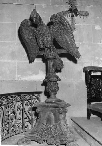 Lutrin en forme d'aigle, bois sculpté, 18e siècle