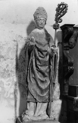 Statue : évêque, pierre, 14e siècle