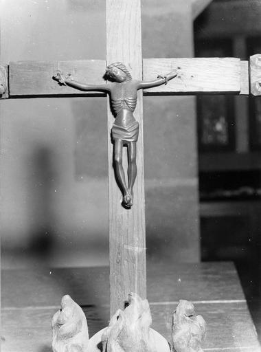 Crucifix, bronze, 15e siècle
