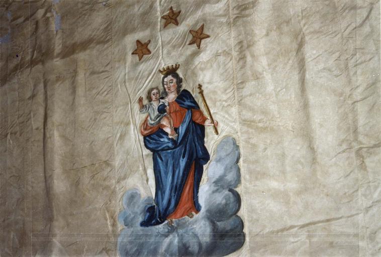 Bannière de procession de la confrérie des mariniers de Gien, taffetas et sergé de soie peints, 18e siècle, détail de la partie haute avec un motif de Vierge à L'Enfant surmontée de trois étoiles