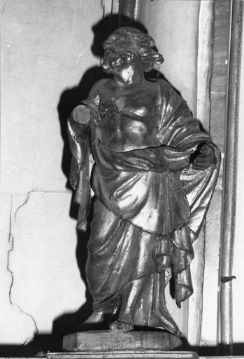 Tabernacle et contre-table du maître autel et ses statuettes, bois sculpté et doré, fin du 17e - début du 18e siècle, détail d'une statuette d'apôtre