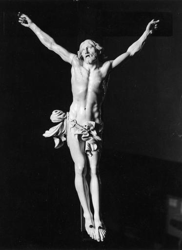 Crucifix, ivoire, 17e siècle