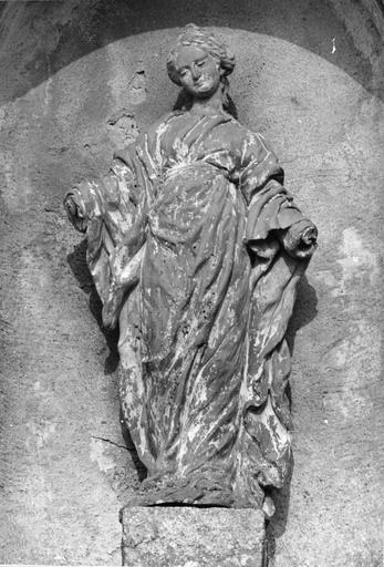 Statue : Vierge, terre cuite, 18e siècle