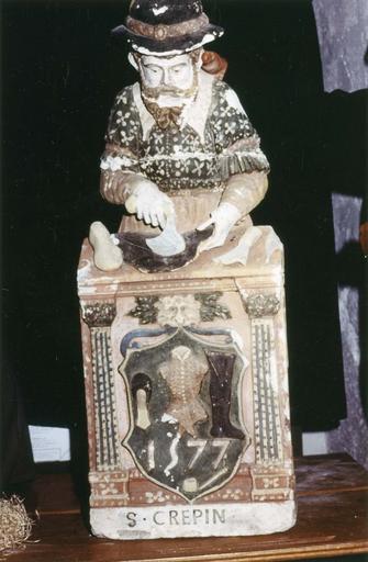 Statue : saint Crépin, pierre polychrome, 1577