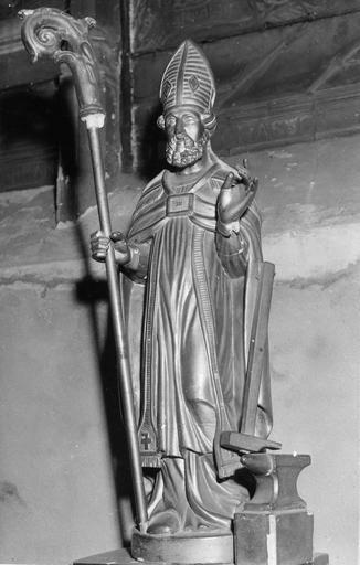 Statue : saint Eloi, bois doré, 18e siècle, volée