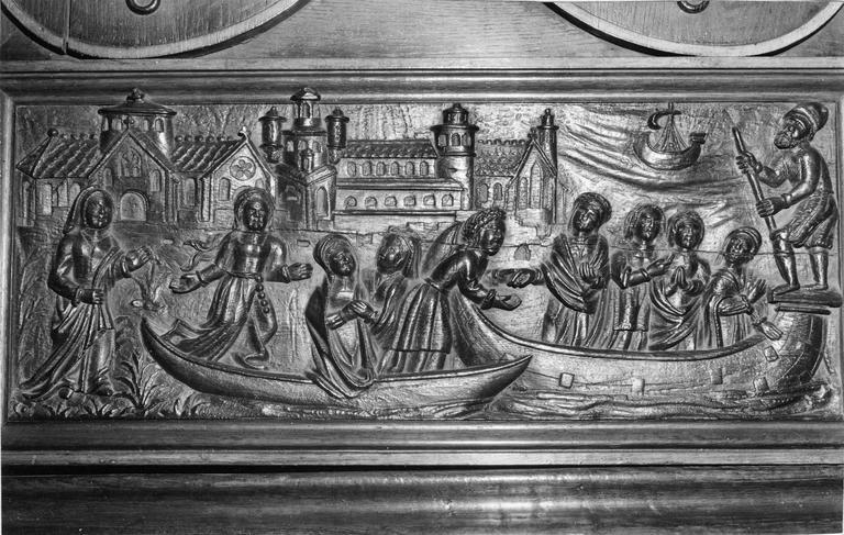 Confessionnal, bois sculpté, 16e siècle, détail d'une scène de passage d'un fleuve sculptée sur un panneau de bois