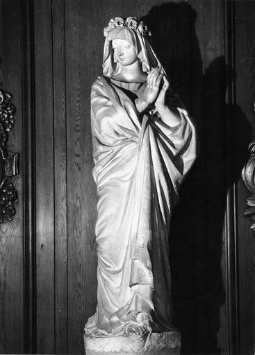 Statue : sainte Colombe Vierge martyre de Sens