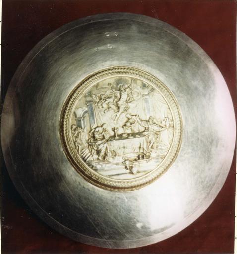 Patène ornée d'une apparition du Christ, argent doré, par F.J. Bertrand, 1809-1819