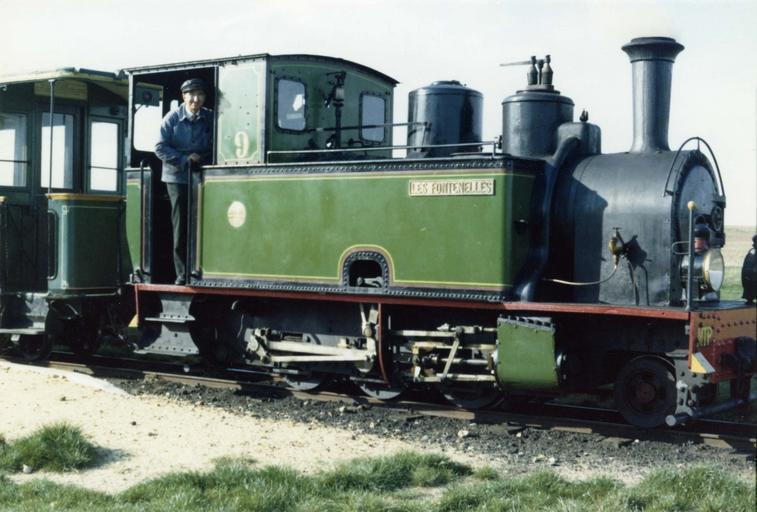 Locomotive à vapeur, à voie inférieure à 1m, 130 T MTP 9, construite en 1938
