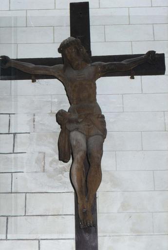 Christ en croix, bois sculpté, 17e siècle