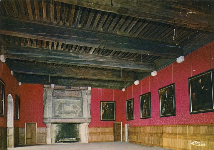 Salle des tableaux du château