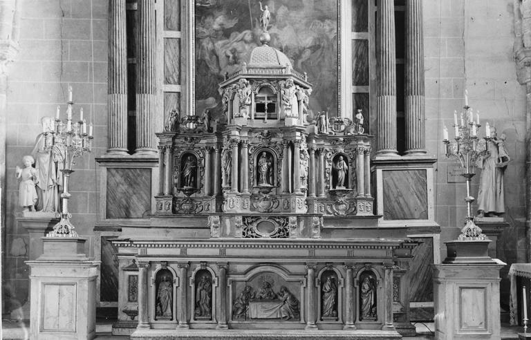 Maître-autel et tabernacle, signé Vatimel, bois sculpté et doré, 1673 et 19e siècle