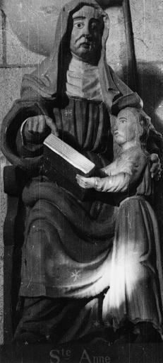 Statue : sainte Anne et la Vierge enfant, bois, 17e siècle