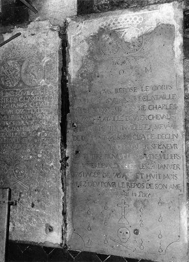 Pierre tombale de Suzanne de La Taille, pierre gravée avec armoiries, croix, crâne et larmes, 1761
