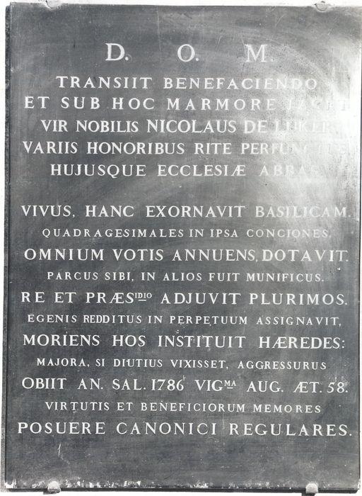 Dalle funéraire de Nicolas de Luker, abbé