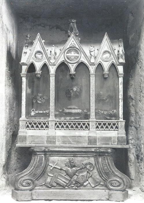 Socle de la châsse de Saint-Firmin