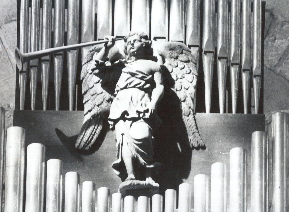 Sculpture (fragment du buffet d'orgue) : Ange à la trompette