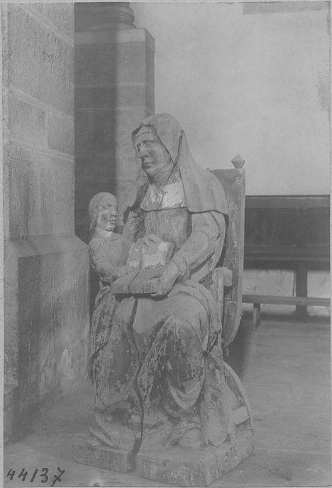Groupe sculpté : sainte Anne et la Vierge enfant