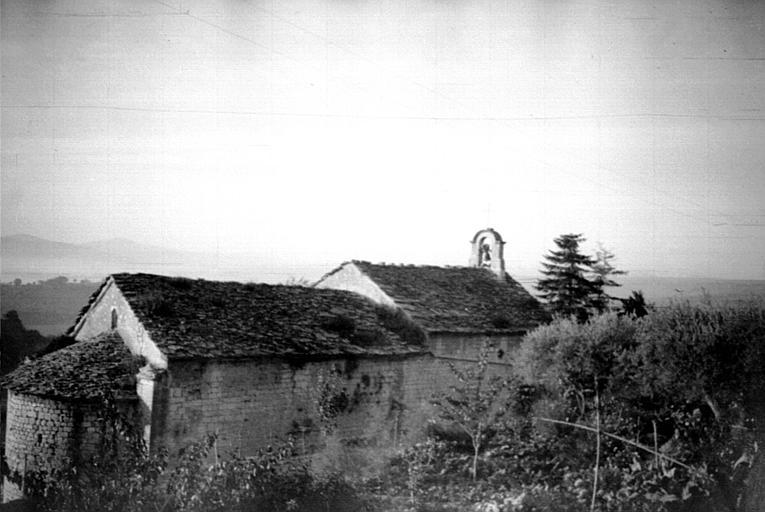 Extérieur : vue de l'édifice, abords