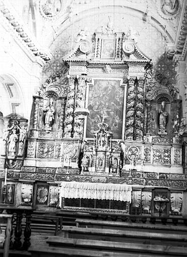 Intérieur : nef, choeur, autel, détails