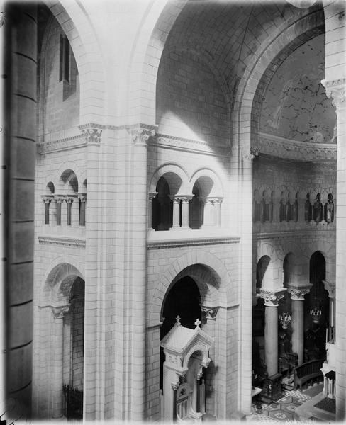 Transept, intérieur